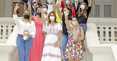 La primera dama festejó el día de la mujer paraguaya