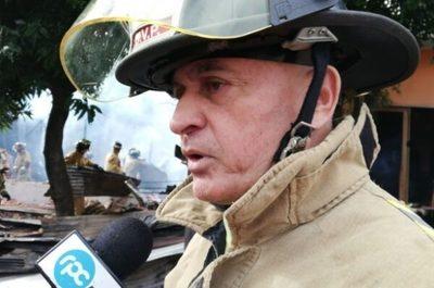 Allanan casa de capitán de bomberos por caso de extorsión con imágenes íntimas