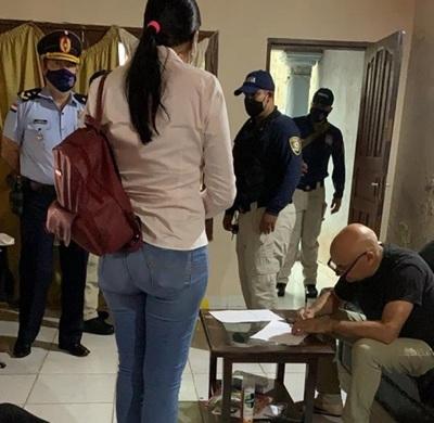 Allanan vivienda del capitán Rubén Valdez por denuncia de sextorsión