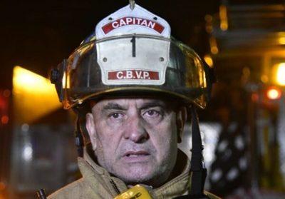 """Capitán de bomberos extorsionaba para hacer """"tríos"""", según denuncia"""
