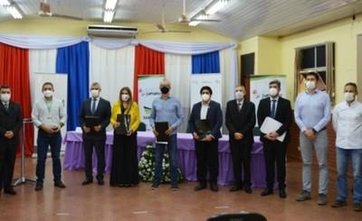 FACISA y Grupo Sarabia firman convenio para investigaciones de Covid