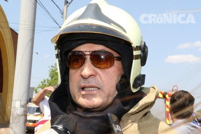 Crónica / Pornovenganza: Capo de bomberos obligaba a su ex a hacer tríos