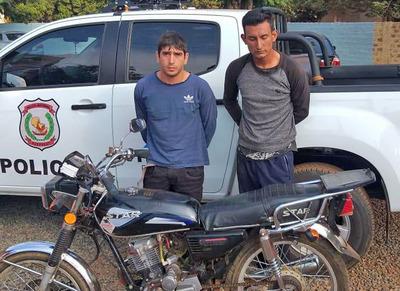 Capturan a dupla de presuntos motochorros