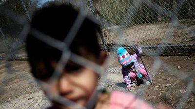 Más de 700 niños permanecían detenidos en la frontera entre México y EE.UU.
