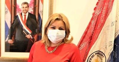 La Nación / #RenunciaNildaRomero: viralizan indignación por silencio de Ministerio de la Mujer