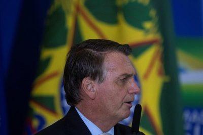 """Bolsonaro afirma que las empresas estatales deben tener """"visión social"""""""