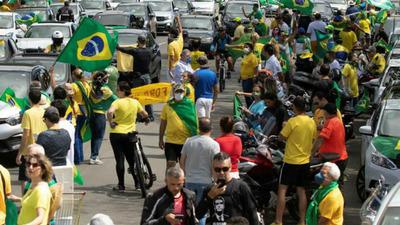 Brasil advierte que el país enfrenta una nueva etapa de la pandemia con un virus mutado que triplica su potencial contaminante