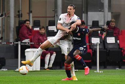 United y Milan pasan a octavos, Leicester y Nápoli eliminados