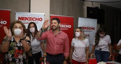 La Nación / Comando de Mujeres Capital de la ANR y Óscar Rodríguez homenajearon a la mujer paraguaya