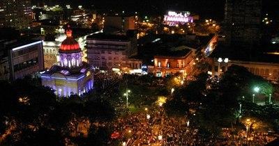 La Nación / Concejal asunceno solicita regulación de luminosidad en cartelería led