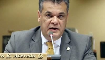 Muere el diputado Robert Acevedo, víctima del Covid-19