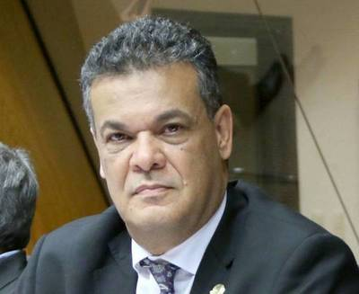 Falleció el diputado Robert Acevedo por Covid-19