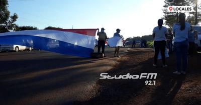 Trabajadores de Puerto Triunfo bloquean ruta PY07
