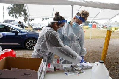 Supermercados de Miami comienzan a dar turnos para vacunarse contra el coronavirus