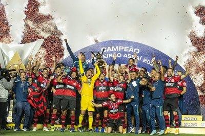 Flamengo gana el bicampeonato del Brasileirão en el Morumbí