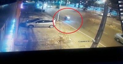 La Nación / Ebrio al volante chocó y mató a motociclista en Asunción