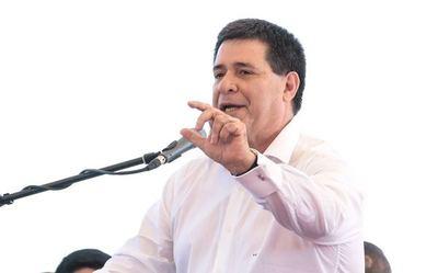 Horacio Cartes dio positivo al COVID19