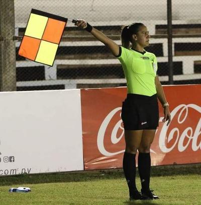 Nancy Fernández se convertirá en la primera mujer en formar parte de un equipo arbitral en un clásico