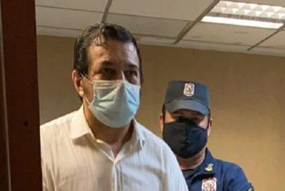 Envían a prisión a cirujano imputado por muerte de joven
