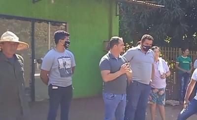 Agreden a intendente de Minga Porã en gresca por politización de kits