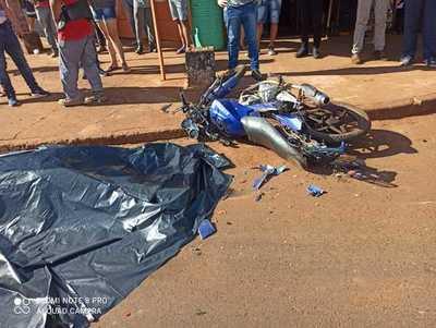 Motociclista MUERE al chocar de frente con CAMION en Hernandarias