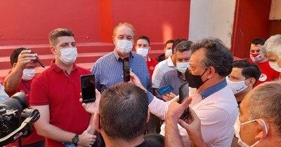 La Nación / Ante pedido de impugnación, difunden la renuncia de Wiens al cargo de pastor