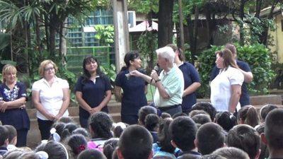 A última hora les notifican que no están habilitados para la modalidad presencial, denuncian desde un colegio de Capiatá
