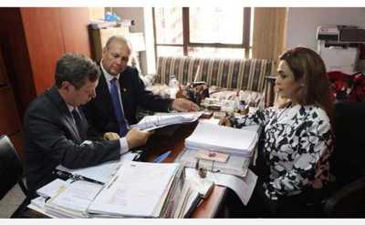 Caso de supuesta recaudación paralela: Presentan acusación contra Mario Ferreiro y otros