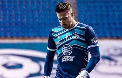 Antony Silva salió lesionado en la victoria de Puebla ante Necaxa