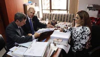 Fiscal presenta acusación contra Mario Ferreiro y otras seis personas