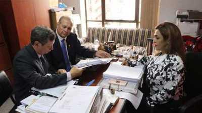 Fiscalía acusa a Mario Ferreiro por caja paralela en la comuna de Asunción