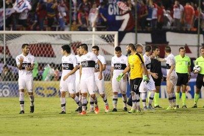 Olimpia repetirá la dupla central que ganó la finalísima ante Cerro en el 2015