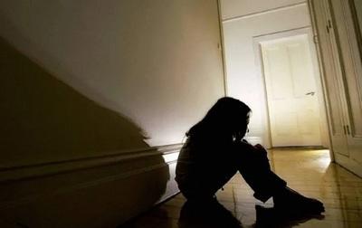Condenan a 10 años de cárcel a un hombre por abusar de su hijastra