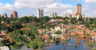 La Nación / Crecida del río Paraguay: cada día son más los damnificados en Asunción