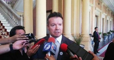 La Nación / Seprelad y la Policía acuerdan trabajo conjunto en materia de inteligencia