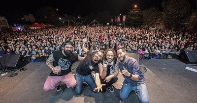 La Nación / Salamandra: Más de dos décadas trepando las paredes del rock