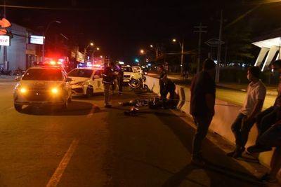 Joven falleció tras ser atropellado por un automóvil cuando cruzaba la calle