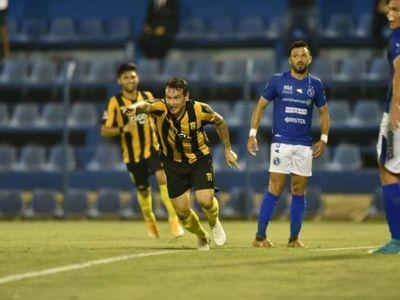 Guaraní se recupera en el Apertura y toma la punta