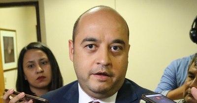 La Nación / Senador Arnaldo Franco se solidariza con intendenta que sufrió atentado