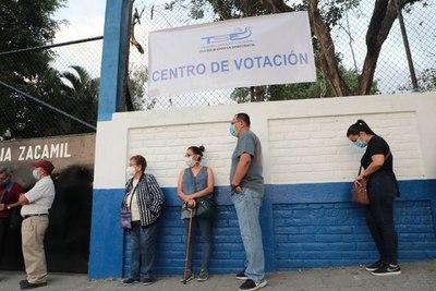 El Salvador elige hoy a nuevos parlamentarios y autoridades municipales