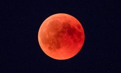 ¿Cuándo y dónde se observará la 'luna de sangre' este año?