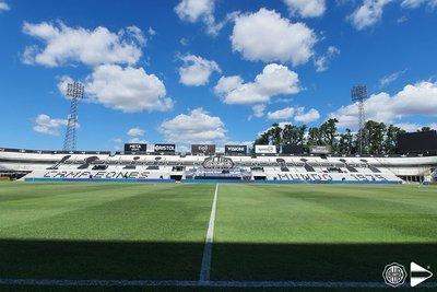 Olimpia y Cerro, con equipos confirmados para el clásico