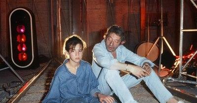 La Nación / Para Charlotte Gainsbourg, su padre no habría encajado en la actual sociedad de censura