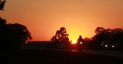 La Nación / Pronostican lunes caluroso y chaparrones