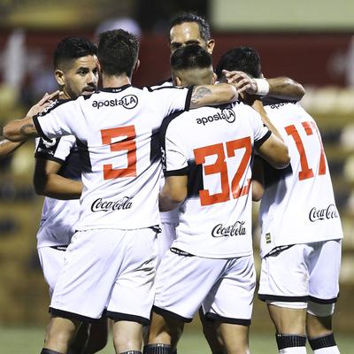 Olimpia ganó el clásico del fútbol en Paraguay