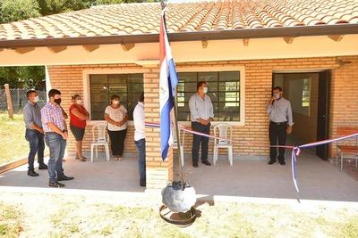Gobernación inaugura aula en escuela de Caazapá