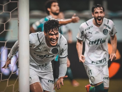 Gustavo Gómez anota gol clave para Palmeiras