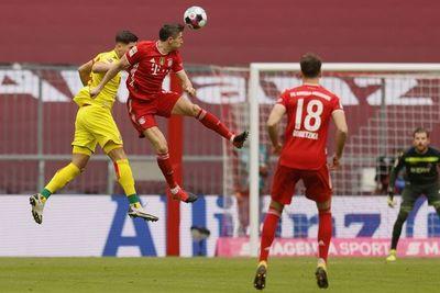 Lewandowski aumenta su ventaja como artillero