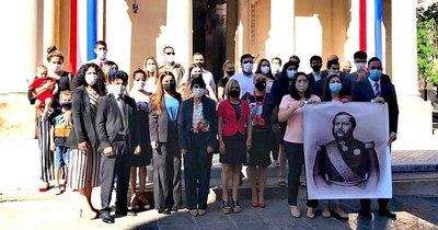 La Nación / Homenaje ciudadano al Día de los Héroes