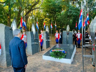 Con acto y restauraciones recordaron Día de los Héroes